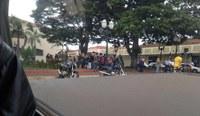 Em greve, funcionários públicos de Barrinha manifestam em frente à Prefeitura Municipal
